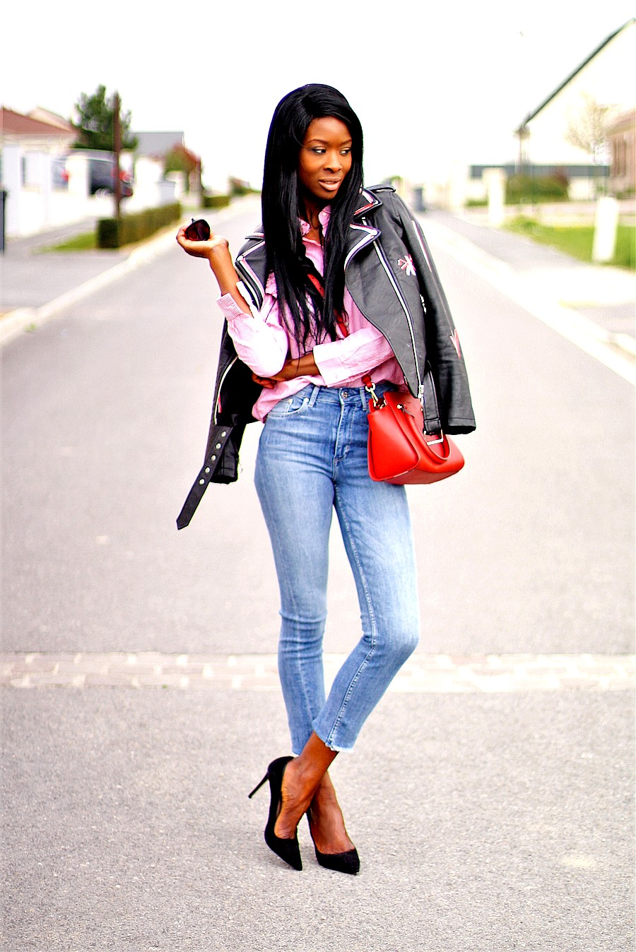 perfecto-imprime-chemise-rayee-jeans-slim-sac-rouge