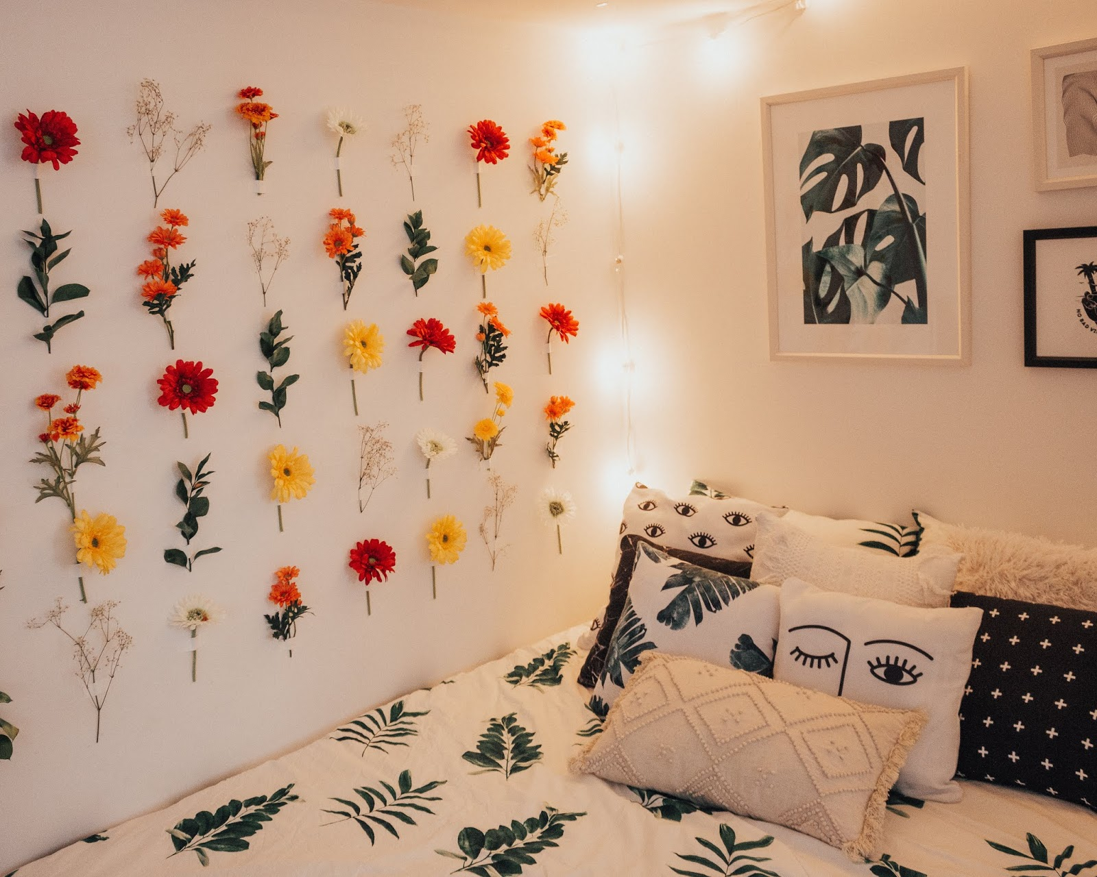 Diy Wall Flowers: DIY Flower Wall: How To + Tips
