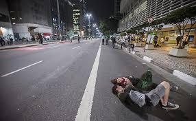 A Avenida Paulista a mais movimentada do Brasil estava vazia.