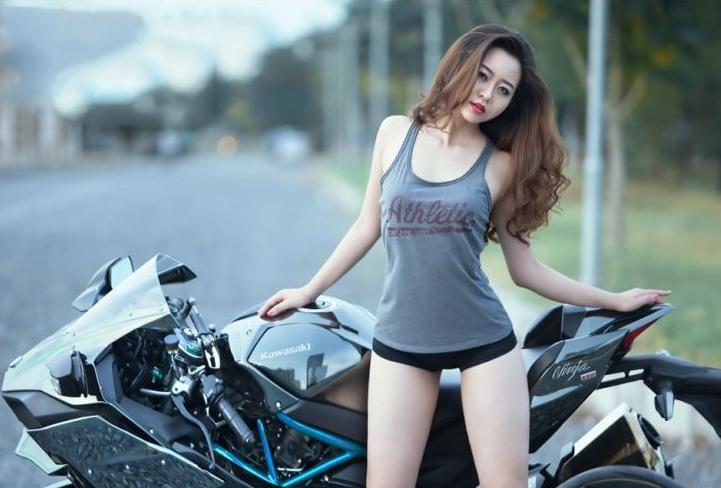 Real Riders Kawasaki Ninja H2 With Sexy Asian Girl-2892