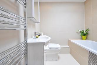 Płytki do łazienki - matowe czy z połyskiem