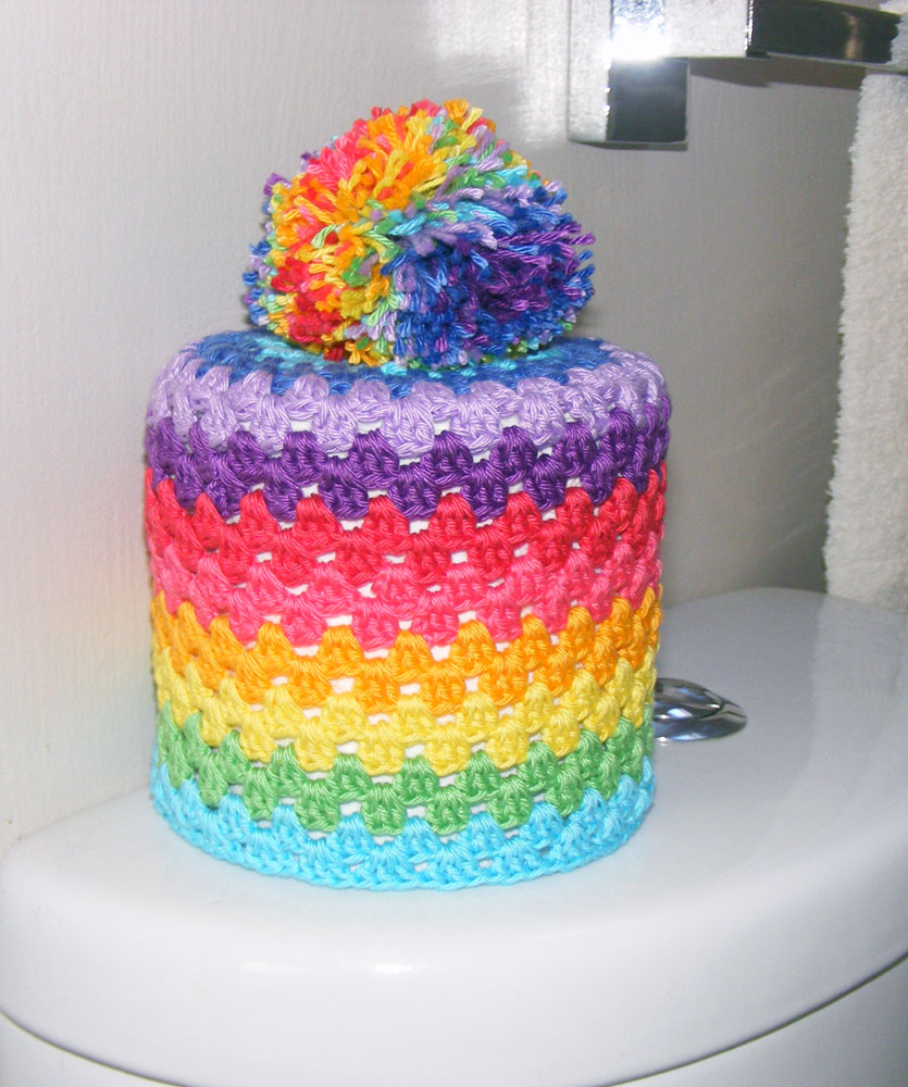 Sooz Jewels Toilet roll coverfree crochet pattern in Scheepjes Catona