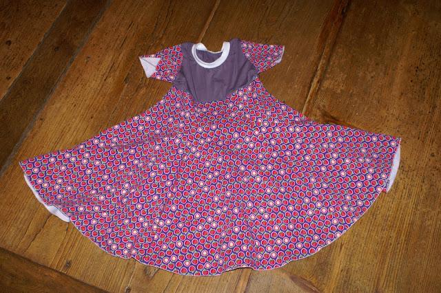 Nähen für Kinder Kleid zum Drehen