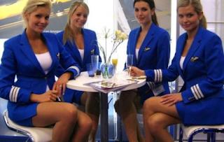 Ο κώδικας των αεροσυνοδών όταν θέλουν να μιλήσουν για έναν όμορφο επιβάτη