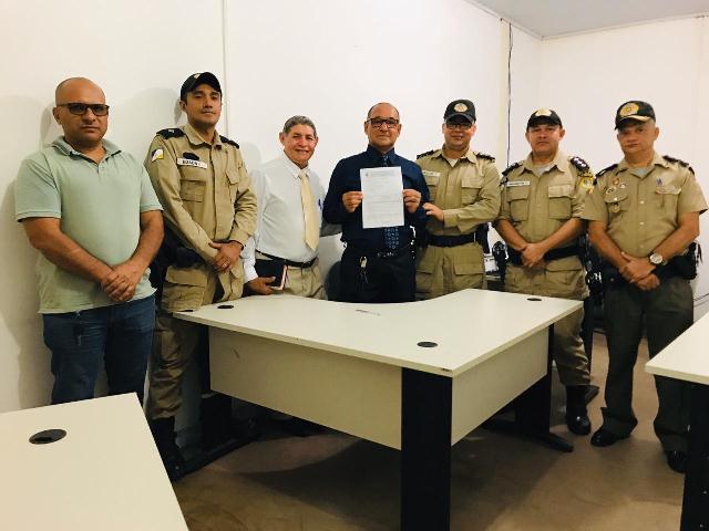 ARAGUATINS: Sargento Sobrinho assina requerimento de transferência para a reserva depois de 30 anos de serviços prestados na PMTO