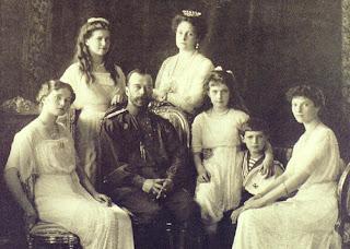 Nicolás II y familia