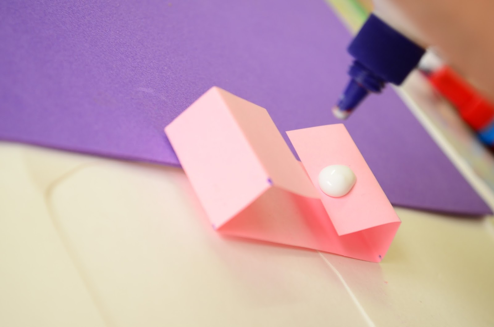 The Practical Mom: Magnetic Pop-Up Cards