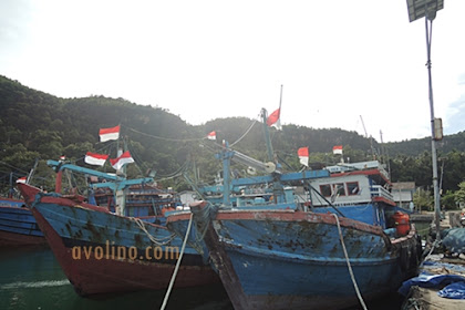 Pelabuhan Tamperan Pacitan, dermaga kecil di barat pantai Teleng Ria