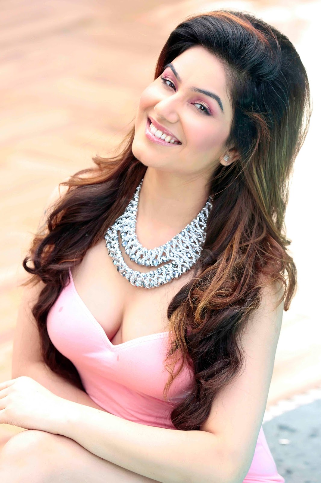 Kangna Sharma smile, Kangna Sharma photoshoot