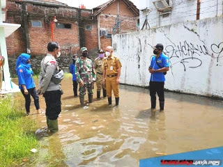 Danramil Welahan Dampingi Bupati Jepara Tinjau Lokasi Warga Terdampak Banjir