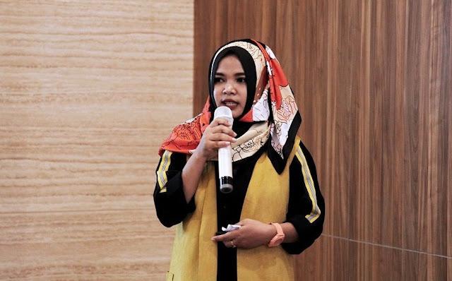 Shеrlу Sаntу (Rumаh Durian Lombok)