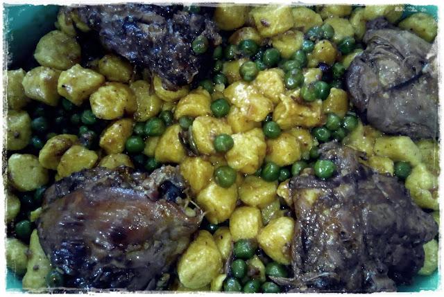 Ensopado de frango com ervilha