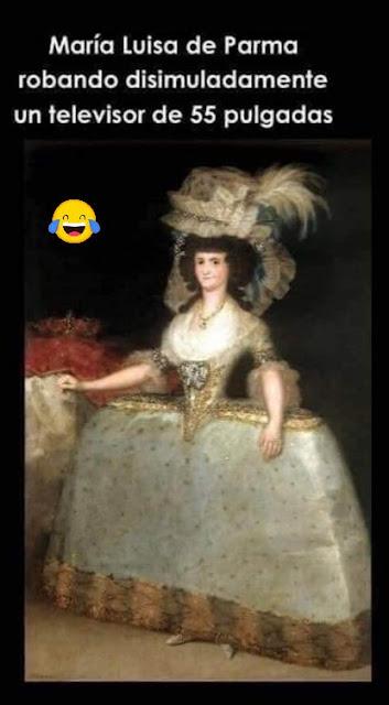 María Luisa de Parma robando disimuladamente un televisor de 55 pulgadas