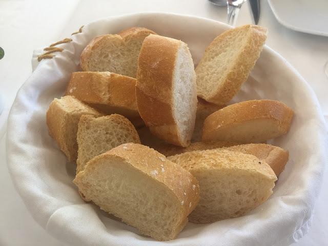 Plato de pan del restaurante casa Borras