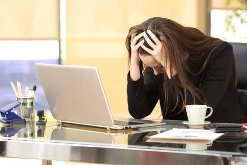 Τρία σημάδια στο σώμα σας που υποδεικνύουν άγχος