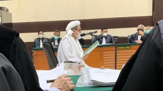 HRS: Sudah Rahasia Umum Pelanggaran Prokes Orang Dekat Jokowi Dibiarkan dan Dibenarkan