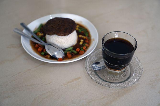 Vietnam Drip dan sarapan Loco Moco