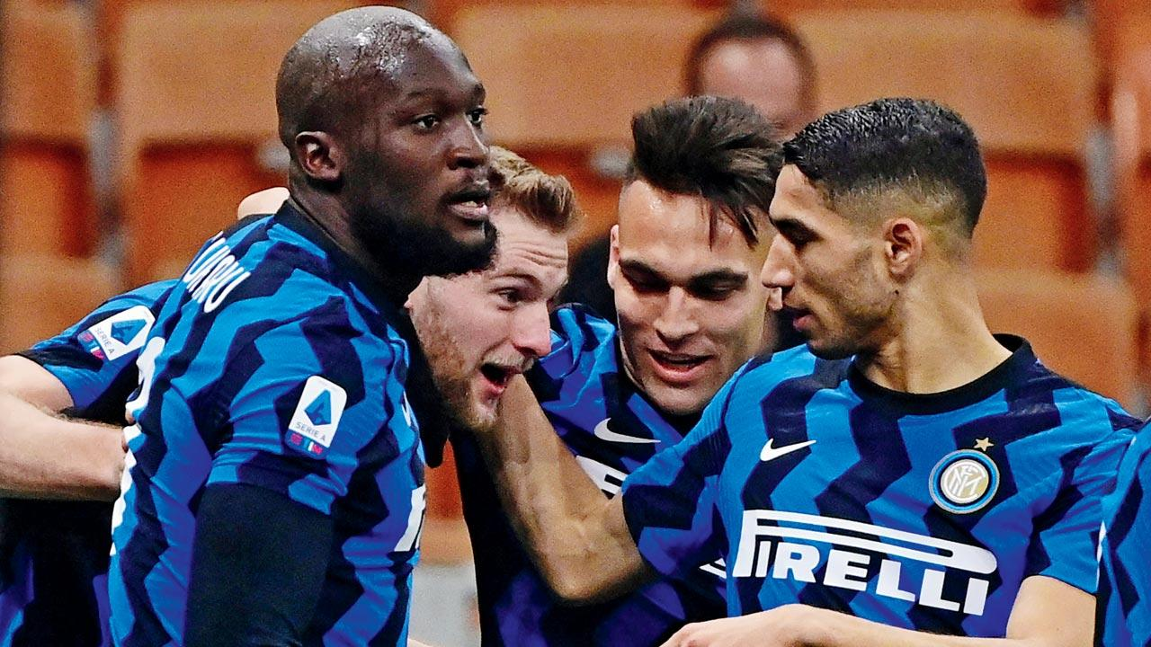 Inter Milan will look to retain pole-position in Serie A by securing another victory
