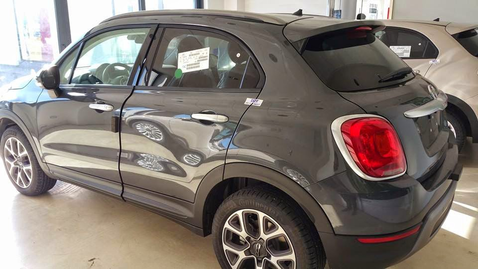 fiat 500x cross in grigio moda. Black Bedroom Furniture Sets. Home Design Ideas