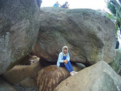 Asyiknya Berwisata Alam Taman Batu - Purwakarta