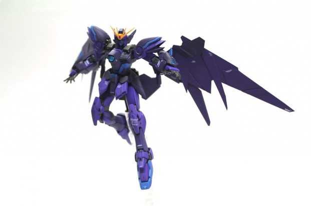 Custom Build: RG 1/144 Wing Gundam Zero Frozen Teardrop Black Wing