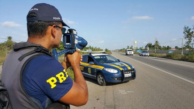 PRF reforça fiscalização nas rodovias federais durante feriado prolongado no RN