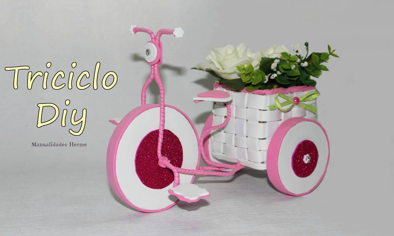 manualidades herme Triciclo de goma eva y alambre