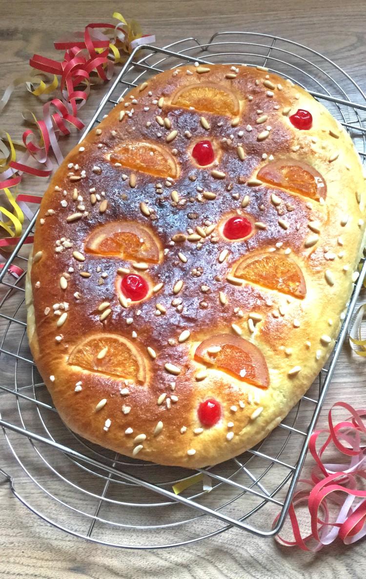 receta-coca-de-san-juan-de-brioche-esponjosa