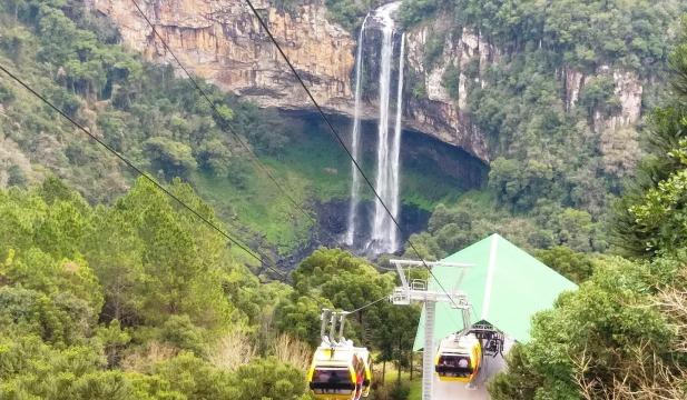Os Bondinhos Aéreos ficam no Parque da Serra, em Canela, na Serra Gaúcha