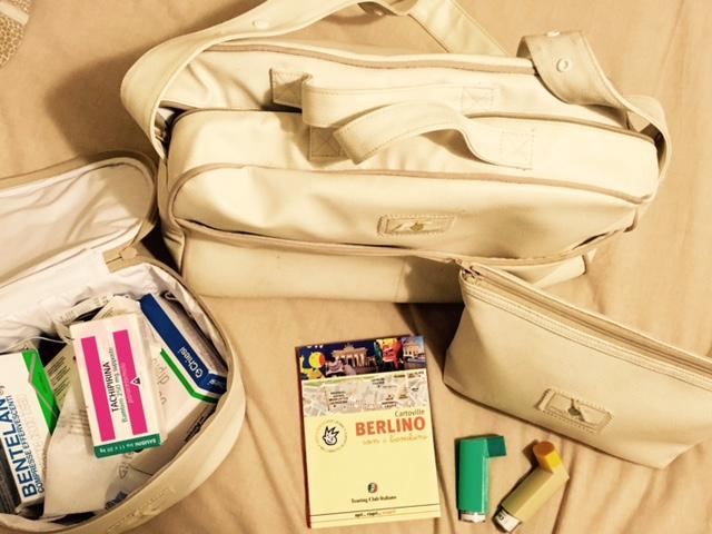 valigia per il viaggio a Berlino