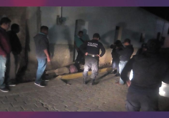 Pobladores detienen y golpean a elemento de la Guardia Nacional en Teotitlán, Oaxaca
