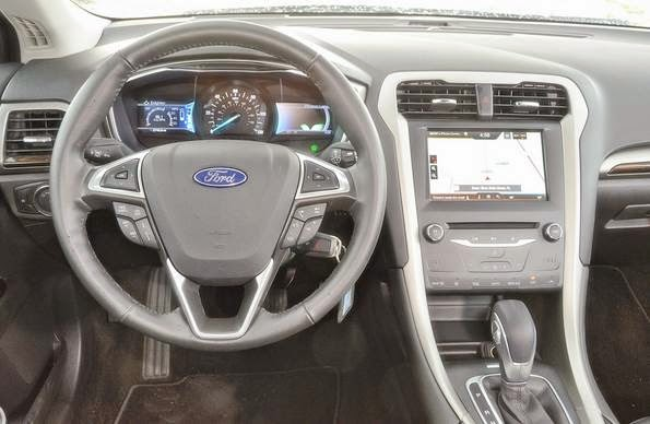2010 ford fusion hybrid 4d sedan reviews ford car review. Black Bedroom Furniture Sets. Home Design Ideas