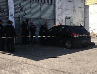 Pai mata filha de dois anos, atira contra ex-mulher e se mata dentro de carro no Ceará