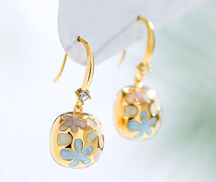 法式設計春天的小花鏤空滴釉耳環