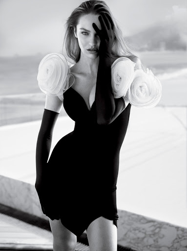 Candice Swanepoel hot model photo shoot Vogue Brazil Magazine November 2017