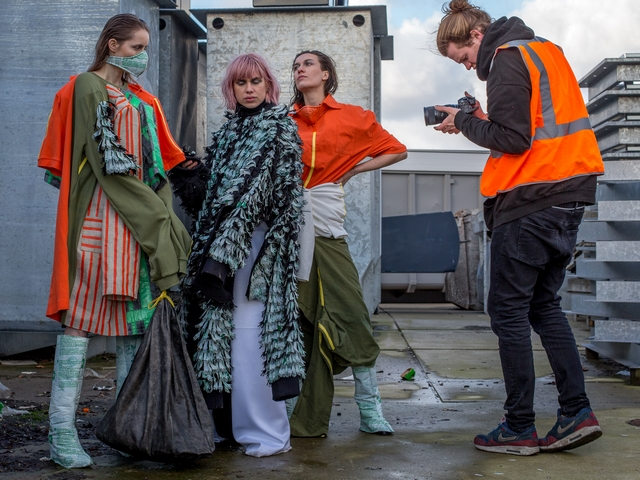 Backstage beelden lookbook foto's en editorial resultaten van wasteless fashion collectie by designer Fayette van Dijck