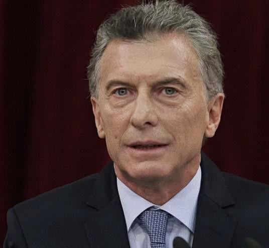 Macri repudió las críticas a los 150 intelectuales argentinos que lo apoyan