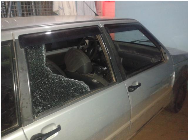 Mãe e filho ficam feridos em colisão entre carro e moto na cidade de José da Penha
