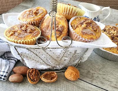 Sour Cream Coffee Cake Mix Cupcakes