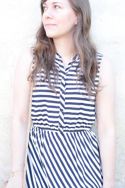 Ma robe longue rayée bleu marine & blanche