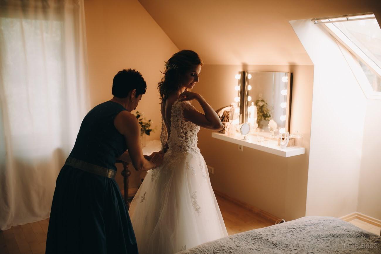 kāzu rits kleita