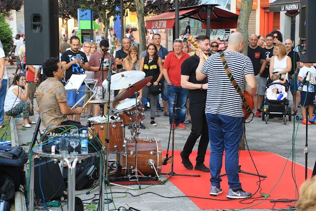 Concierto del cuarteto de jazz de Aritza Castro en la calle San Antolín