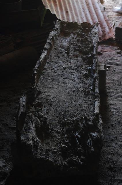 Questions autour d'un très vieux cercueil