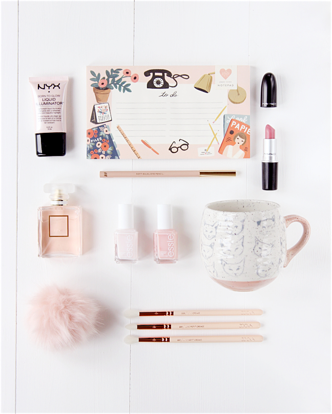 flatlay beauty blogger