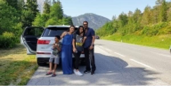 bacho-sang-road-trip-par-nikale-ajay-kajol