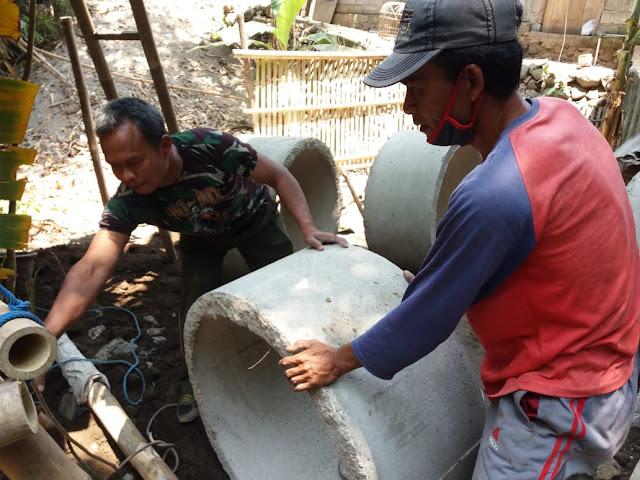 Babinsa Karangnongko Bangun Jambanisasi untuk Warga