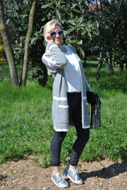 outfit sneakers glitter argento fornarina come abbinare le sneakers glitterate sneakers glitter argento sequin silver sneakers how to combine glitter silver sneaker outfit primaverili spring outfit outfit marzo 2016 march outfit mariafelicia magno fashion blogger color block by felym fashion blogger italiane fashion blog italiani fashion blogger milano blogger italiane blogger italiane di moda blog di moda italiani ragazze bionde blonde hair blondie blonde girl fashion bloggers italy italian fashion bloggers influencer italiane italian influencer