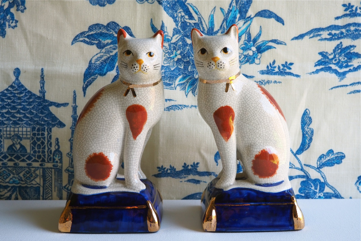 flatten the curve, flatten the coronavirus curve, flatten the COVID-19 curve, flatten the coronavirus COVID-19 curve, coronavirus pandemic 2020, Vintage Finds Fitz and Floyd Mantle Cats, Vintage Fitz & Floyd Japanese Ceramic Mantle Cats, Chinoiserie mantle cats, blue and white mantle cats, vintage chinoiserie blue and white mantle cats,