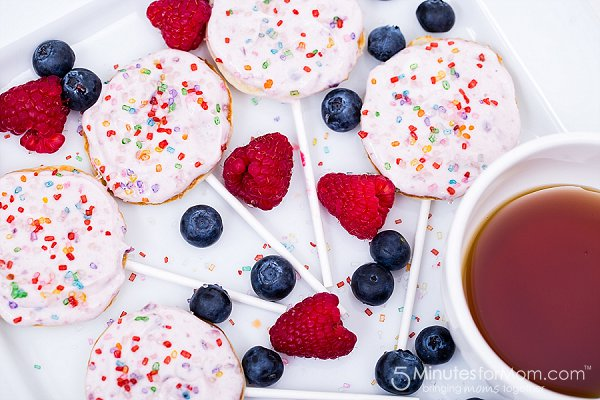 Lollipop Pancakes from 5 Minutes for Mom
