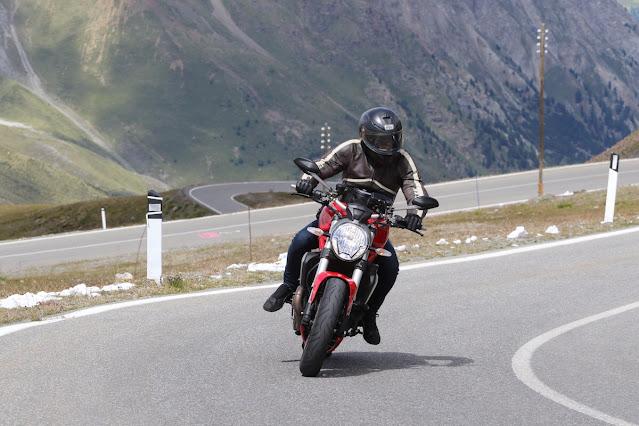 Alessandro Giri in Moto Passo dello Stelvio